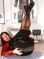 pantyhose office pee