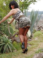 Hottie dazzles in an army print