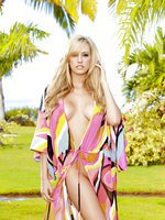 Brett Rossi spends her vacation and tops her satisfaction
