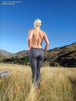 Blonde has such a curvy ass