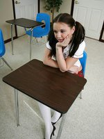Brunette schoolgirl wraps her warm lips around her teachers pole