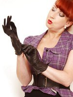Wearing kid leather gloves and FF nylons just makes one so wet and ready for anything