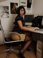 Secretary Masturbate In Stockings And Garterbelt