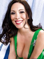 Rayveness & Jenner in My Friends Hot Mom