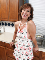 53 year old housewife Lynn gets her mature body all wet and sudsy