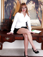 Cute and mature secretary takes a coffee break to spread her legs