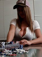 Nikki Loses In Poker