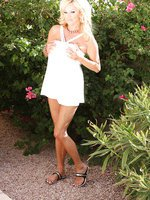 Rachel Aziani gets naughty outdoors!