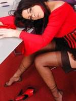 Dara Pain in rht stockings